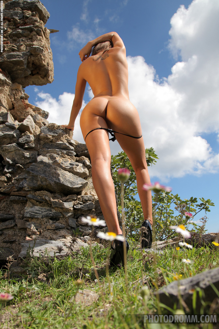 Juliette by Photodromm – nude photo gallery