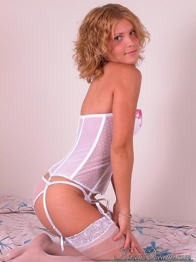 Kinky Karen Dreams in stockings and suspenders   Daily Girls @ Female Update