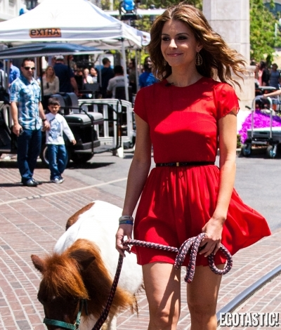 Maria Menounos Is Super Hot Doing Anything | Daily Girls @ Female Update