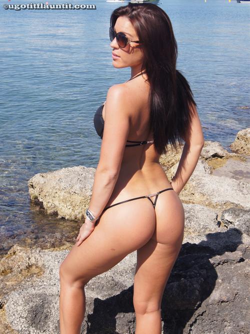 Martina Poses for UGotItFlauntIt | Daily Girls @ Female Update