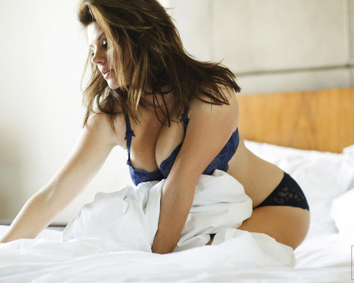 Me In My Place – Tiffani Thiessen | BabesBible.com | Daily Girls @ Female Update