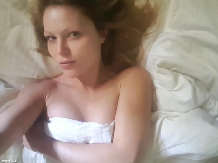 Meet Madden Nude Selfies | Daily Girls @ Female Update