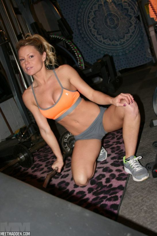 Meet Madden working out in the gym, shows cleavage | Daily Girls @ Female Update