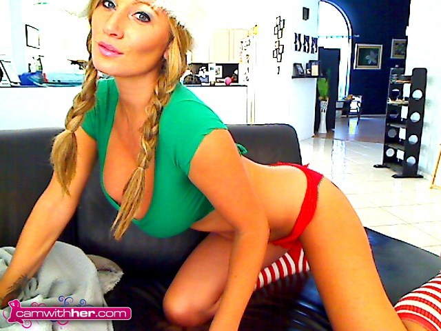 Naughty or Nice: Layla Lynn – CamWithHer Girls