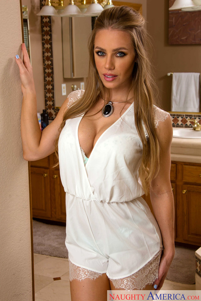 Nicole Aniston | Daily Girls @ Female Update