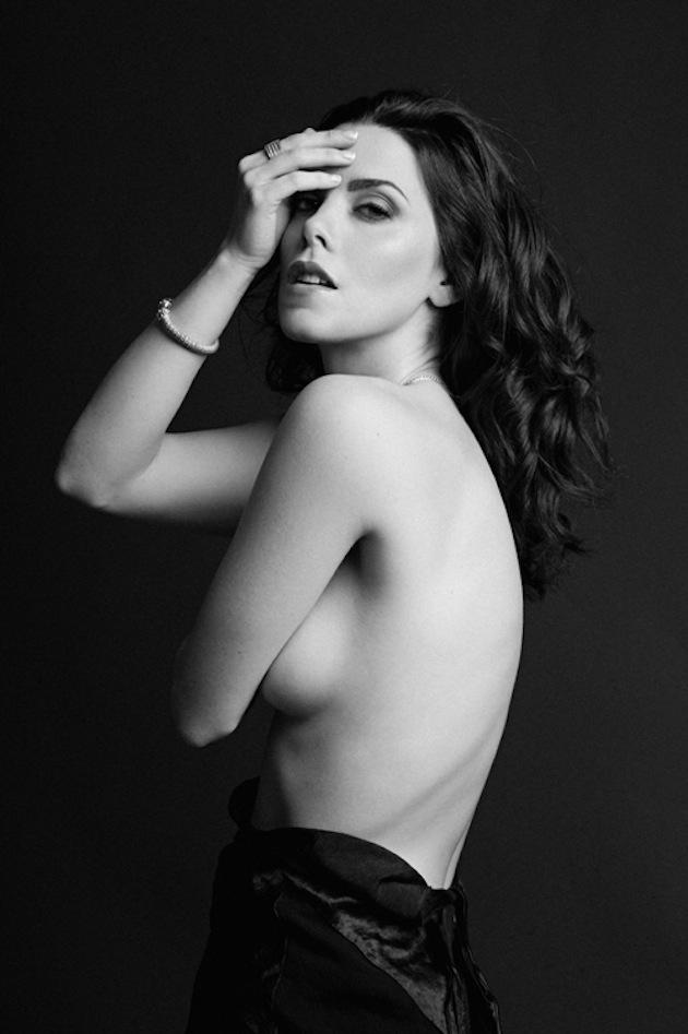 Nicole Vaunt — Babe of the Day