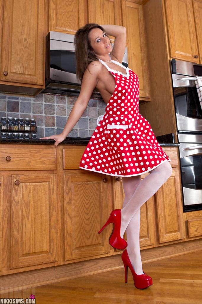 Nikki Sims in the Kitchen | Fun Girl Galleries | Daily Girls @ Female Update