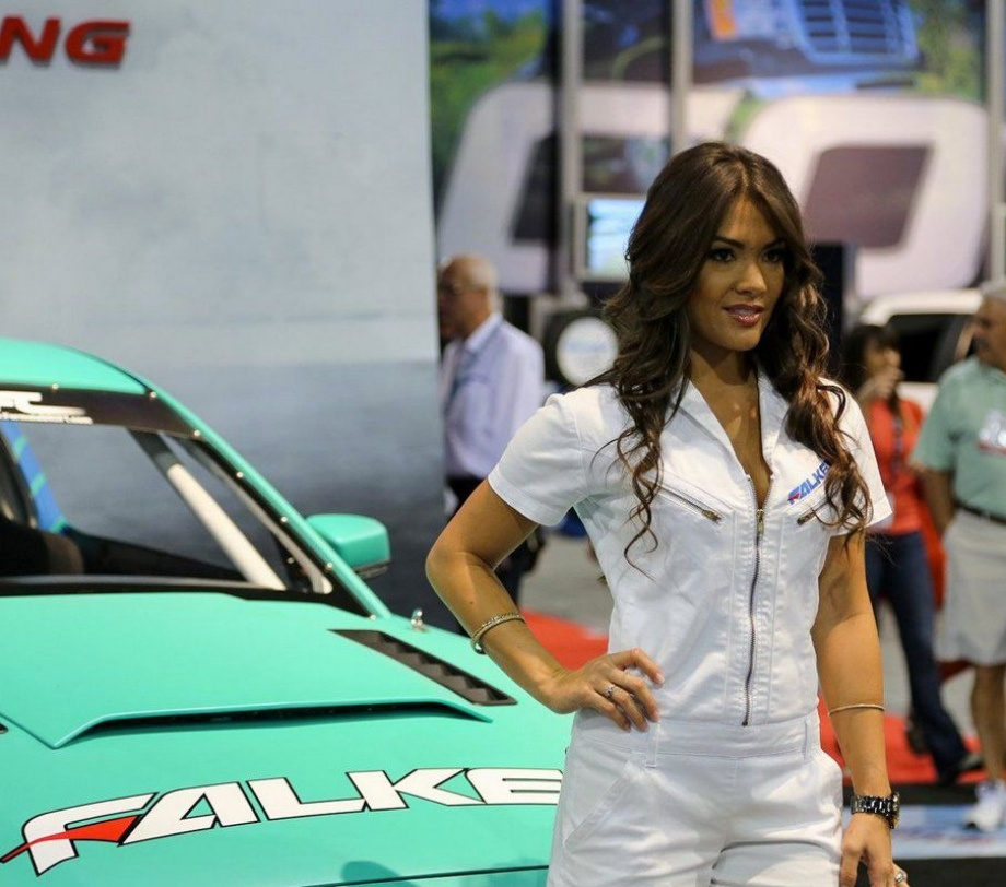Photos of hot car girls from SEMA | Daily Girls @ Female Update