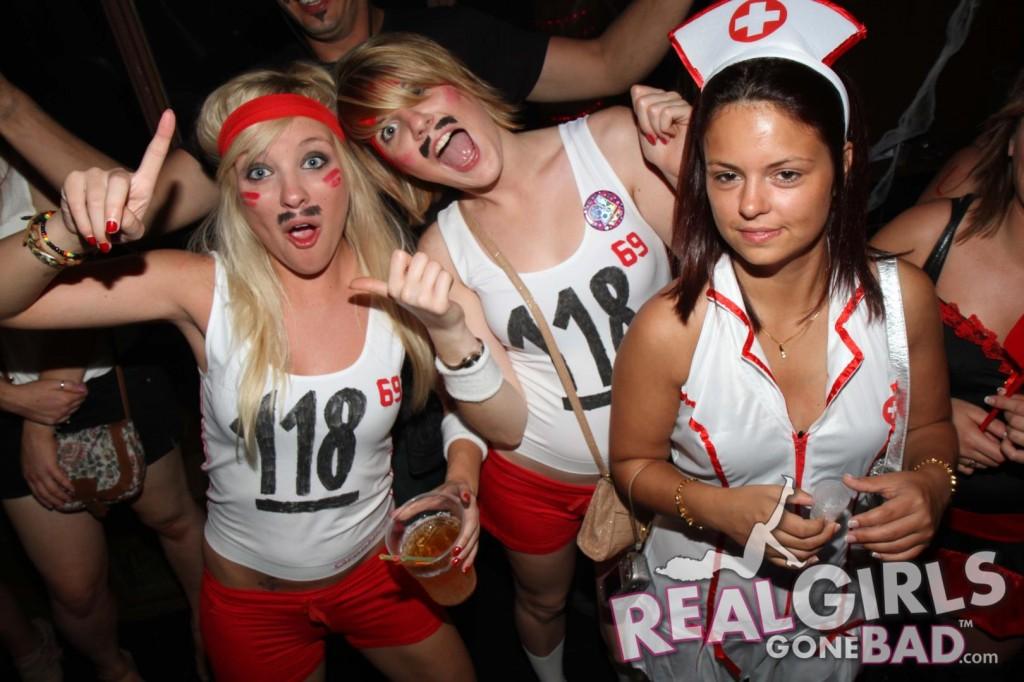 Real Girls Gone Bad Bar Crawl | Daily Girls @ Female Update
