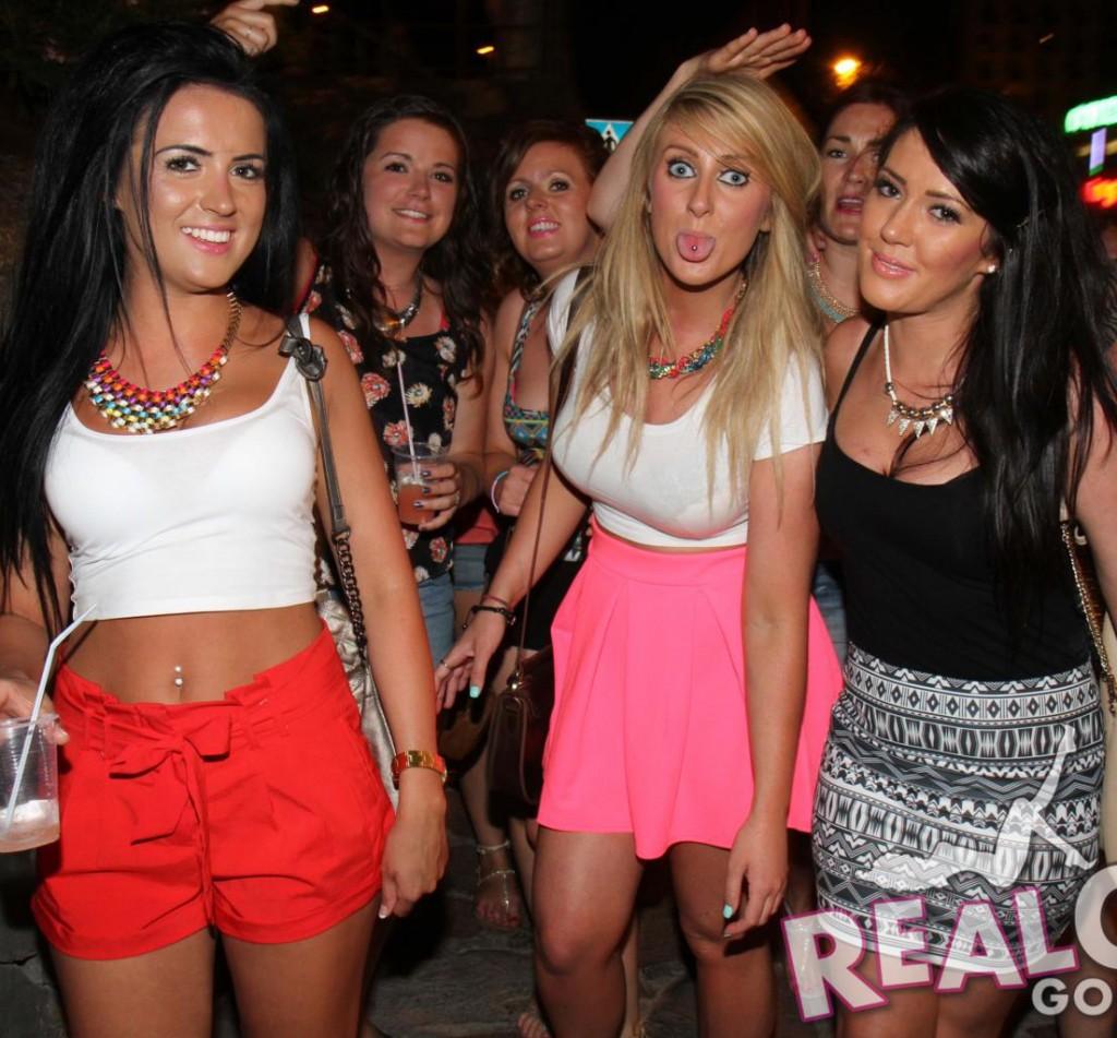 Real Girls Gone Bad – English Girls on a Pub Crawl