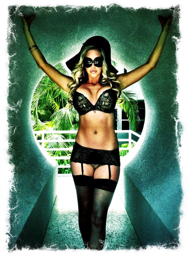 Samantha Saint Is Completely Wicked | Daily Girls @ Female Update