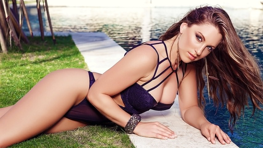 Sarah Louise in Hot Splash for Playboy | Daily Girls @ Female Update