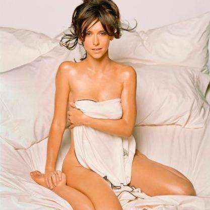 Sexy Jennifer Love Hewitt Pics | Near-Nude