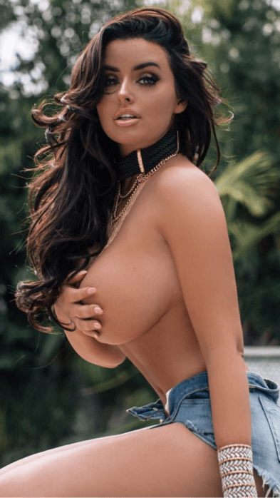 SideBoob Sunday Should Be a National Holiday | Daily Girls @ Female Update