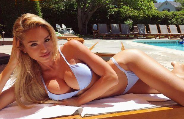 Summer Full of Bikini Babes – CamWithHer Girls | Daily Girls @ Female Update