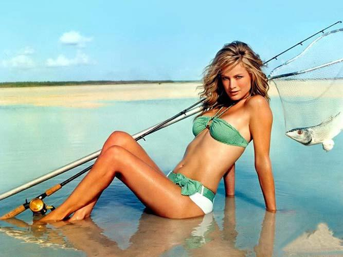 Surf's Flat? Go Fishing for Bikinis | Daily Girls @ Female Update