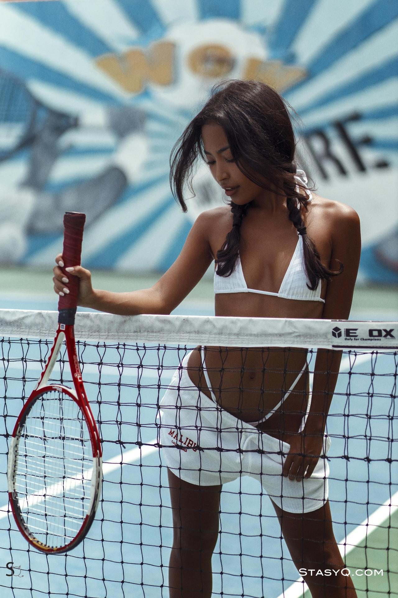Tennis fan SalsaQ shows off her body for StasyQ | Daily Girls @ Female Update