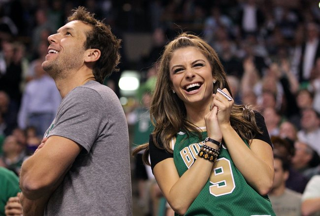 The 25 Hottest Celebrity Fans in the Stands | Daily Girls @ Female Update