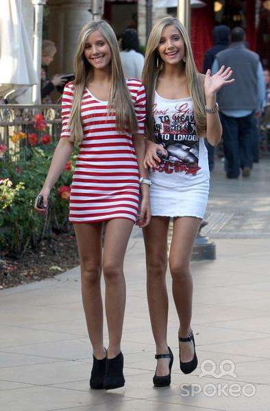 The 38 Hottest Pairs of Female Celebrity Twins