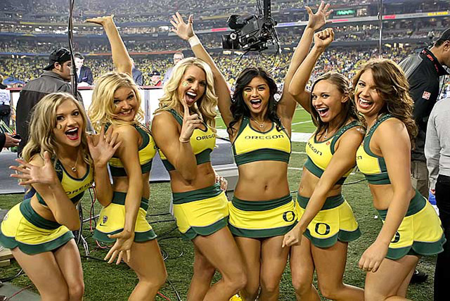 The 6 Things to Expect This College Football Seaso | Daily Girls @ Female Update