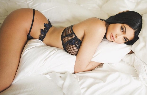 The Hottest Photos of Kylie Jenner | Daily Girls @ Female Update