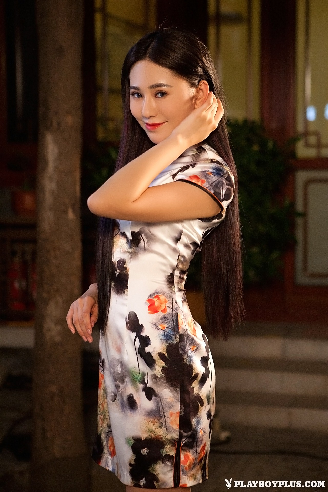 Wu Muxi is Breaking Tradition for Playboy | Daily Girls @ Female Update