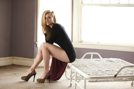 Yvonne Strahovski : Down Under Babe | Daily Girls @ Female Update